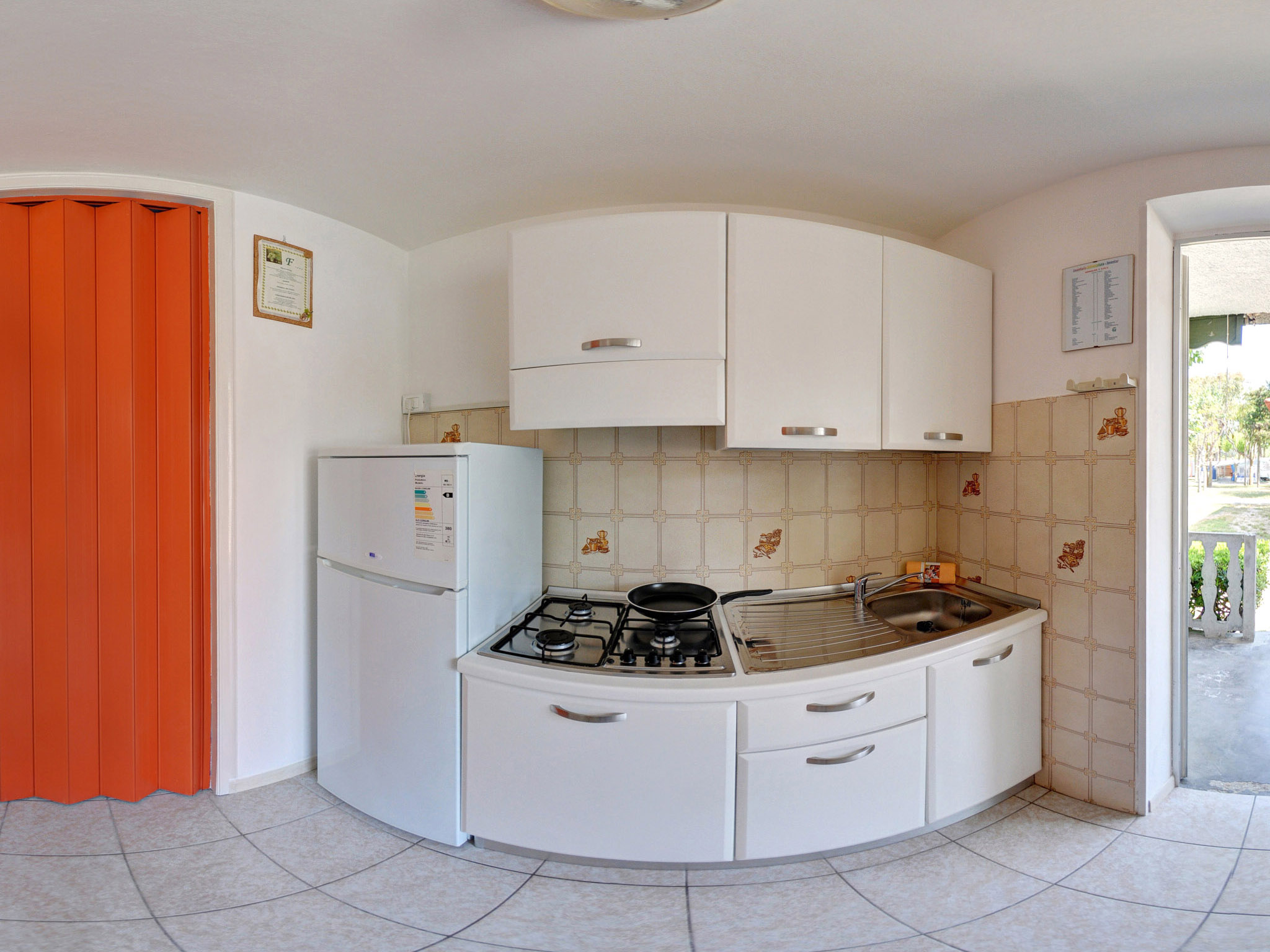 italien bungalow abruzzen am meer eurcamping. Black Bedroom Furniture Sets. Home Design Ideas